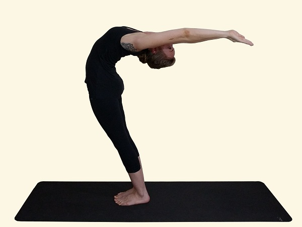 Hasta-Utthanasana-Raised-Arms-Pose