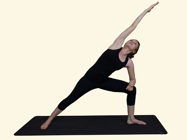 Utthita-Parsvakonasana-Extended-Side-Angle-posture-variation